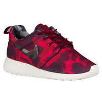 Nike Roshe One - Women's - Red / Maroon