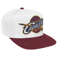 Mitchell & Ness NBA XL Logo Two-Tone Snapback - Men's - White / Maroon