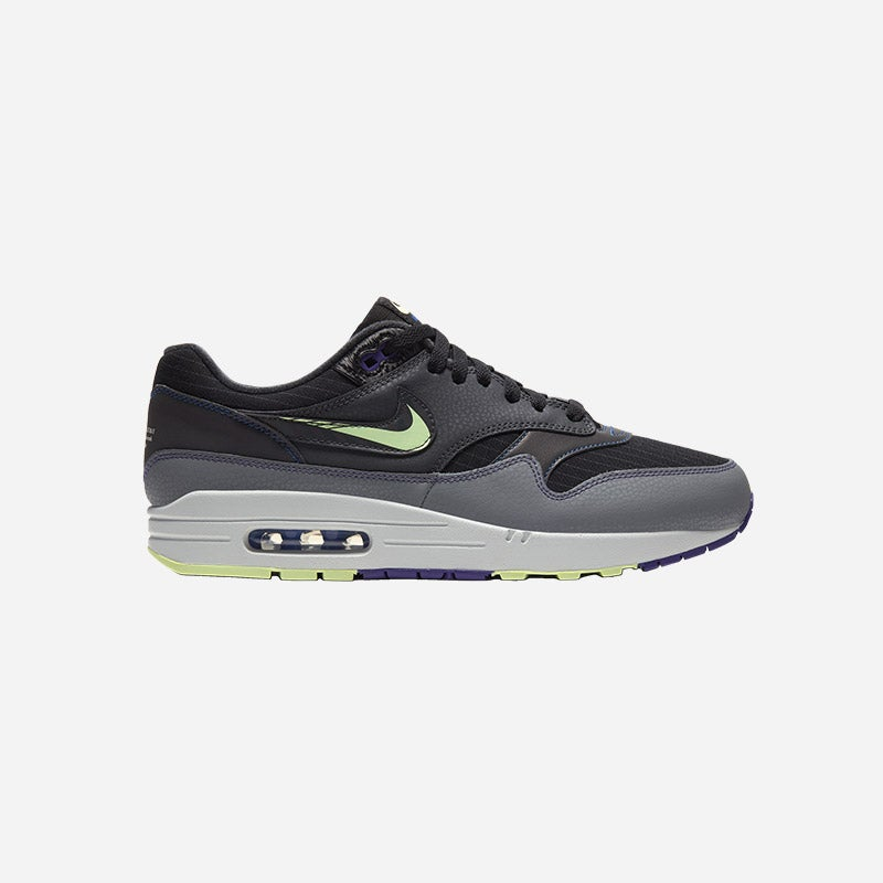 Shop the Men's Nike Air Max 1.