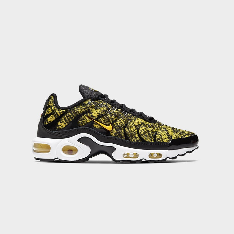 Shop the Women's Nike Air Max Plus in Black/Yellow.