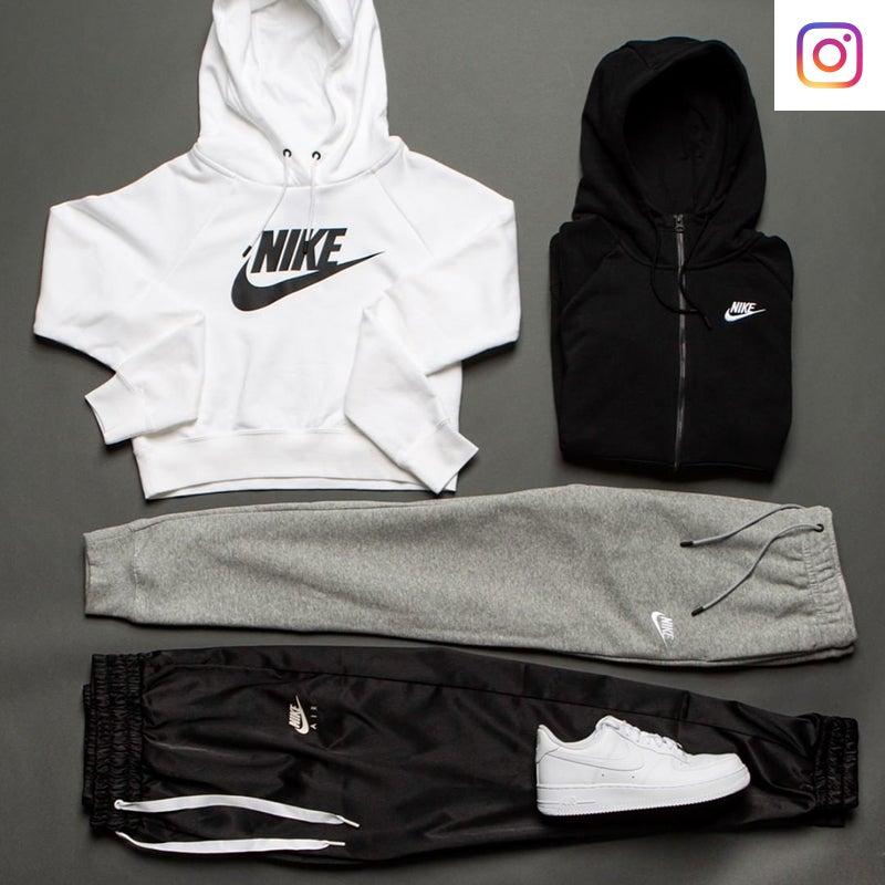 Shop the Women's Nike Black & White apparel & footwear.