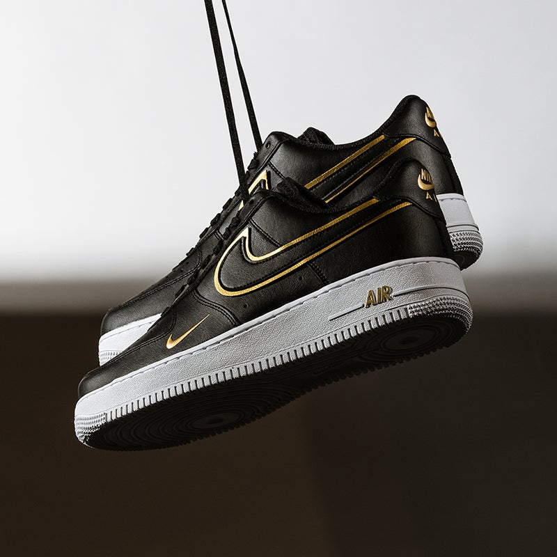 Clean up in a fly new pair of these timeless Nike kicks. SHOP NIKE AIR FORCE 1
