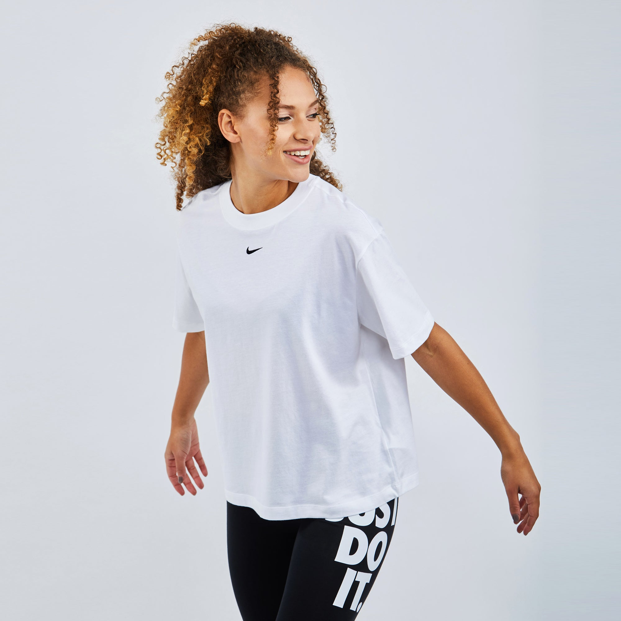 Nike Sportswear Essentials T-Shirt