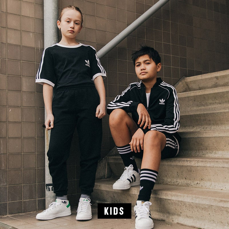 Voir la ligne enfant adidas Vêtements