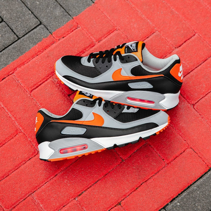 Nike Air Max 90 (Black/Radiant Red/White)