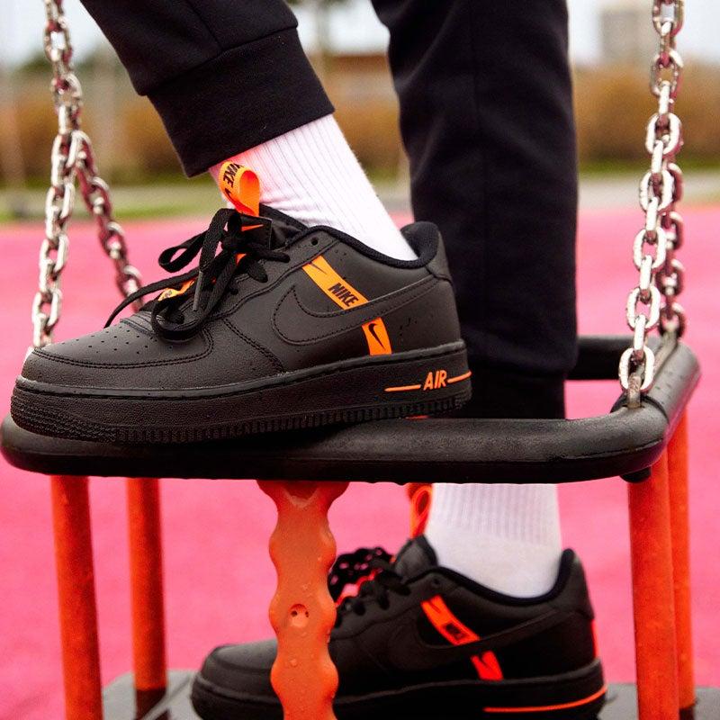 Nike Air Force 1 LV8 Flash Orange