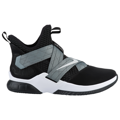 huge discount 9e944 7a389 The 10 Best Outdoor Basketball Shoes in September 2019