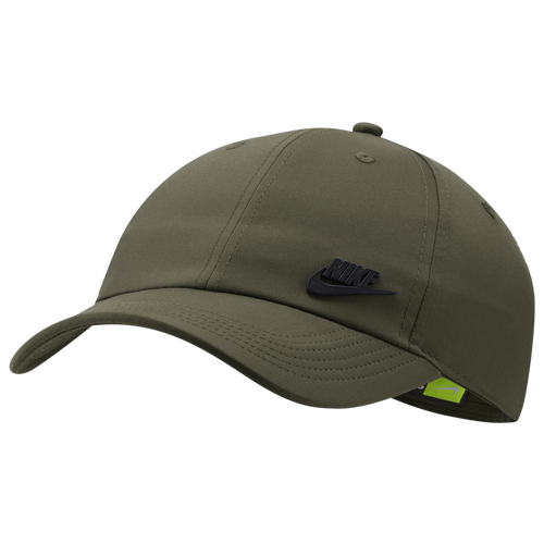 From its classic fit to its moisture-wicking Aerobill technology, this Nike cap keeps you comfortable, dry, and looking fresh. 6 panel design creates a classic fit. Nike AeroBill tech combines lightweight construction with sweat-wicking fabric. Back closure adjusts with metal hardware. Embroidered eyelets enhance breathability. One size fits most. Snapback closure for an adjustable fit. 100% polyester. Imported.