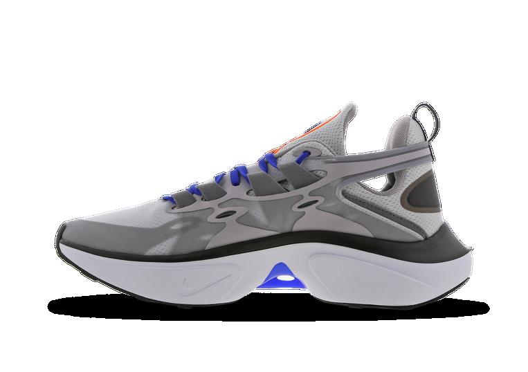 Alice Cervello olio  Nike Signal D/MS/X @ Footlocker