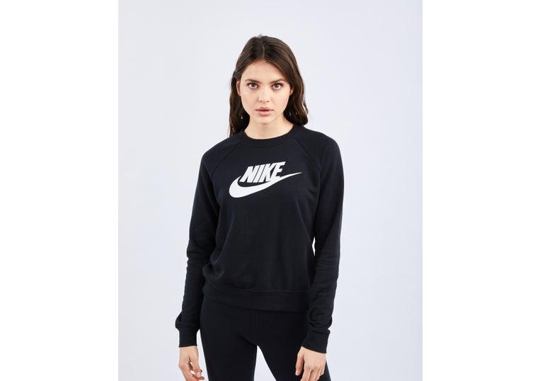 terra Sorprendente Il database  Nike Sportswear Essentials @ Footlocker