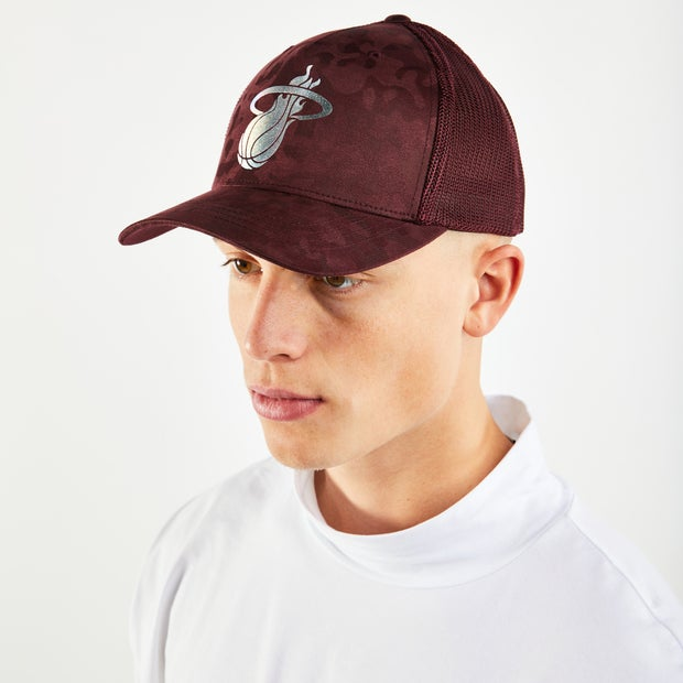 Mitchell and Ness 110 Irrdscnt Heat - Unisex Caps