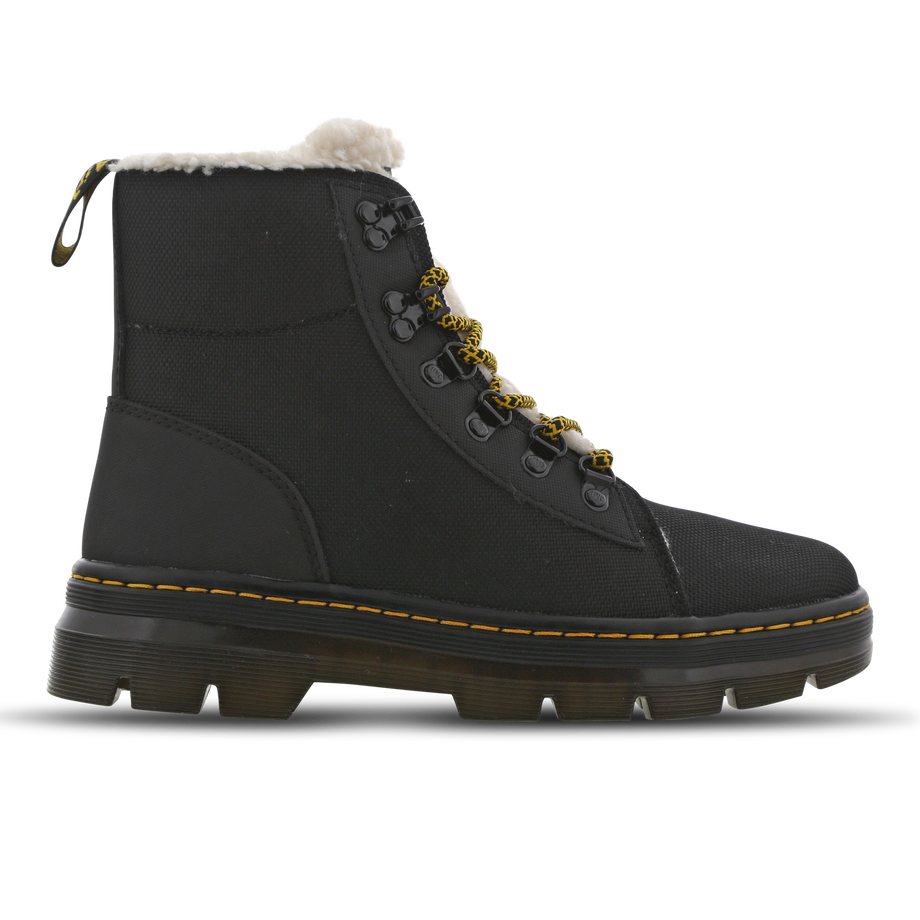 Artikel klicken und genauer betrachten! - Walk the Talk Laufen macht jetzt noch mehr Spaß! Die Dr Martens COMBS-Stiefel sind DIE Schuhe für den Winter. Sie sind robust genug für eine lange Nutzung, bieten aber hinreichend Komfort, damit du dich auch bei kaltem Wetter wohlfühlst. Diese Stiefel sind eine Kombination aus Stil, Komfort und Funktionalität. Nimm sie jetzt in deinem Kleiderschrank auf! | im Online Shop kaufen
