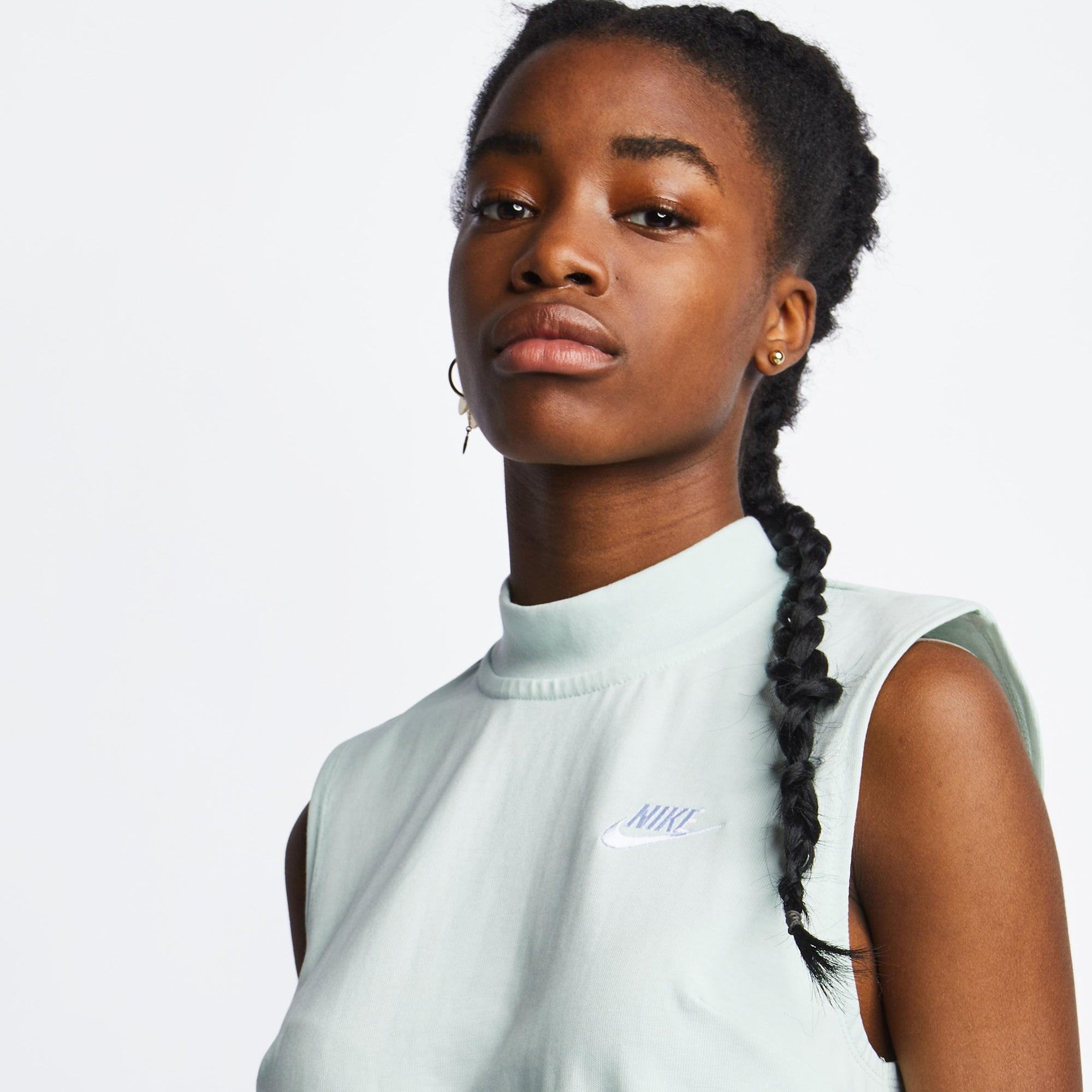 Nike Icon Clash - Women Dresses - Image 4 of 4 Enlarged Image