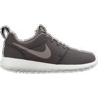 separation shoes fb36b 66bde Nike Roshe | Foot Locker