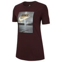 2fe0bbc1 Womens Nike T-Shirts | Lady Foot Locker