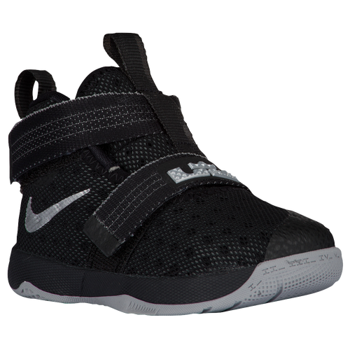 19f3fa1a416 Nike Youth Lebron Soldier 10 Sneakers