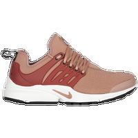 buy online 977b5 d2bcd Womens Nike Presto | Lady Foot Locker