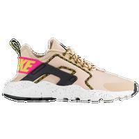 Women S Nike Shoes Lady Foot Locker