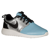 low priced 31ce7 4112f Womens Nike Roshe   Lady Foot Locker
