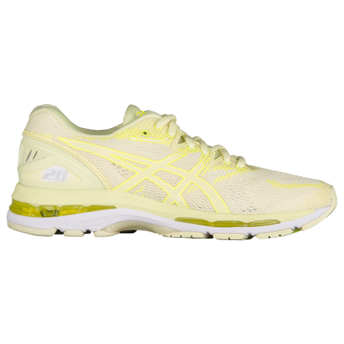woman asics running nimbus 20