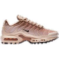 wholesale dealer 7f5c6 a328f Womens Nike Air Max Plus | Lady Foot Locker